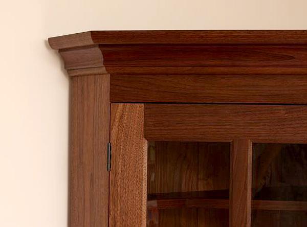 Corner Cabinet cornice