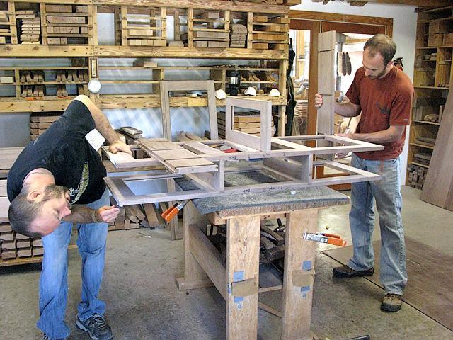 Assembling cabinet frame