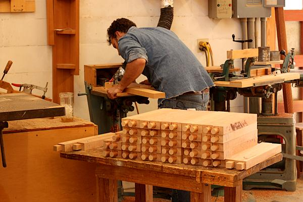 "Tenon making ""leg"" run"