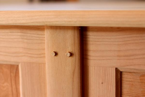 desk assembled detail