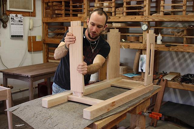 assembling a standup desk 2